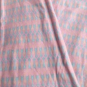 LuLaRoe tc Pink Arrows leggings tall/curvy